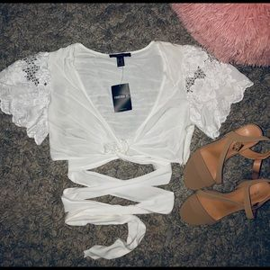 "Forever 21 ""White woven crop top"""
